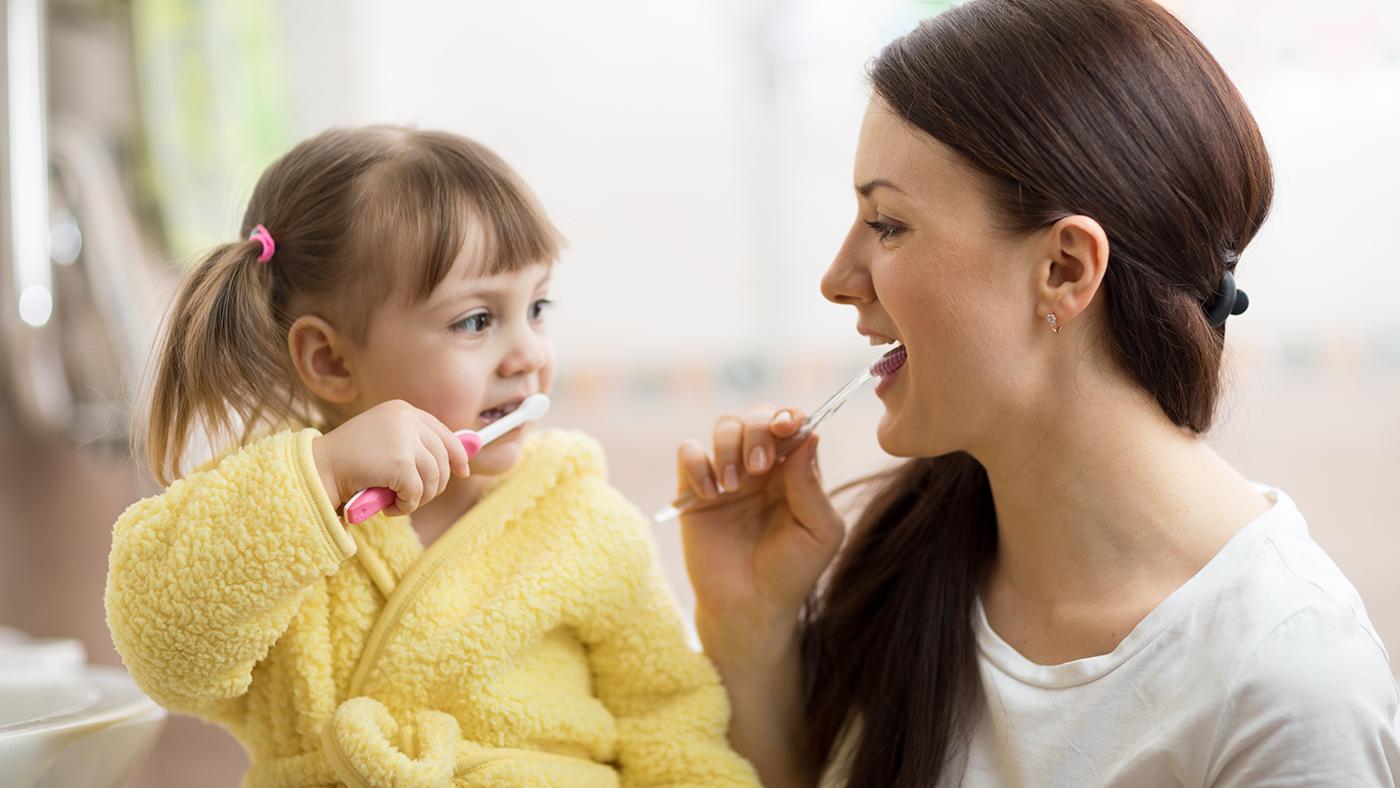 Quali sono i falsi miti sulla pulizia dei denti
